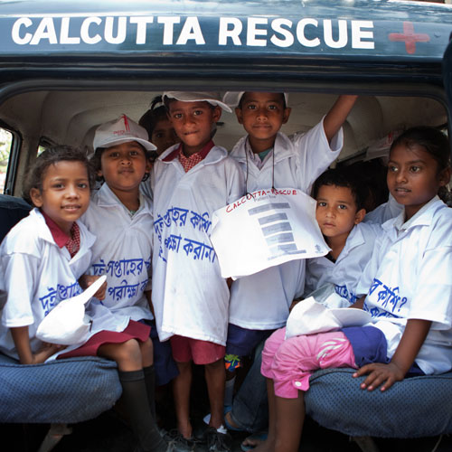 Schulkinder von Calcutta Rescue in Indien