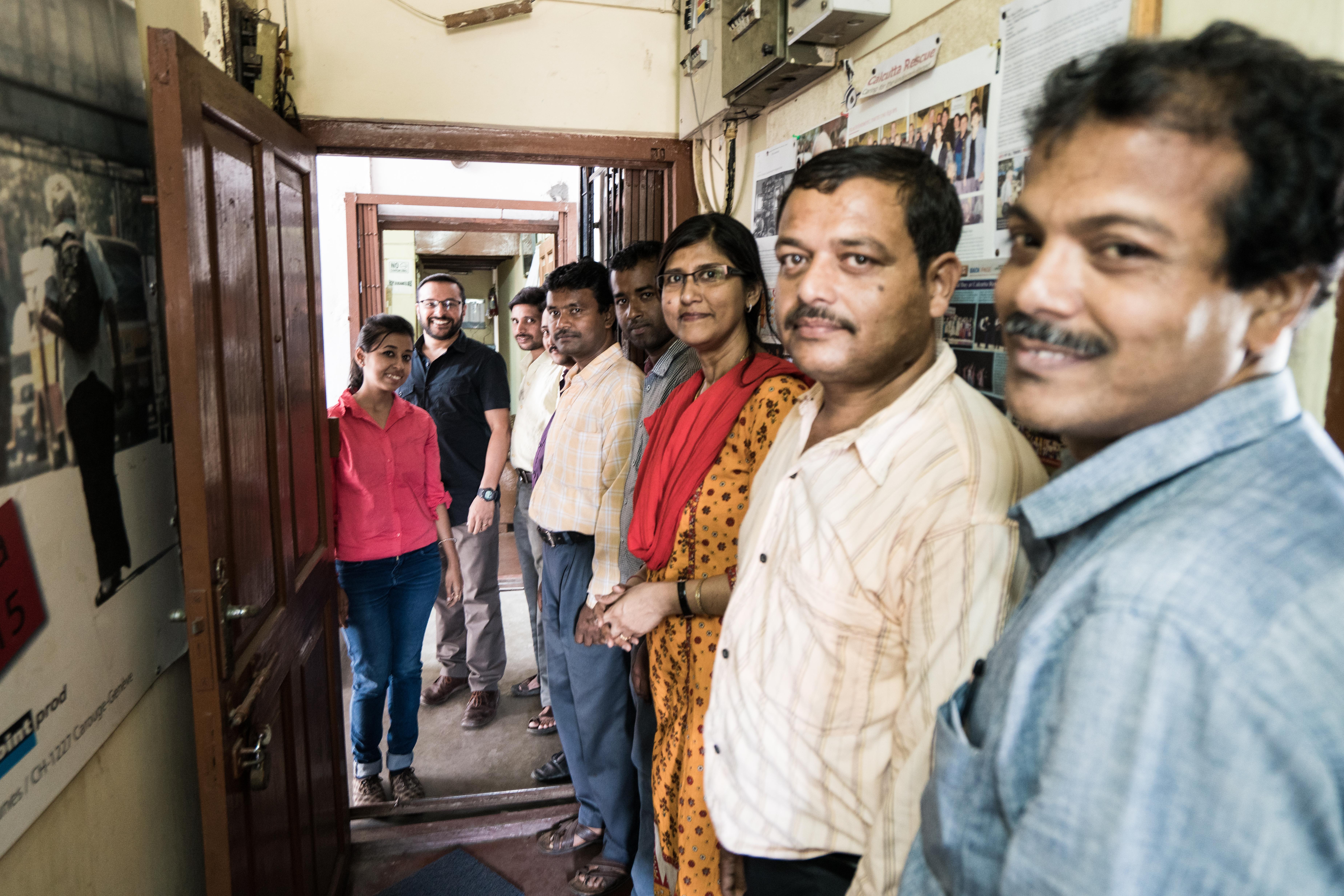 Das Team von Calcutta Rescue im Büro an der Collin Street.