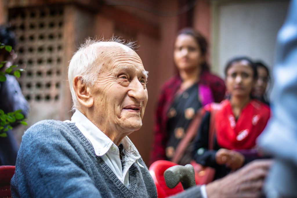 Dr. Jack kurz vor dem Antritt seiner Pension in Kolkata.